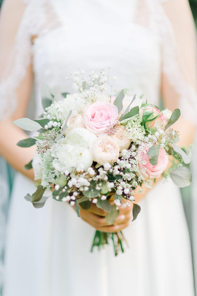 le bouquet de mariage qui correspond à l'identité de la mariée
