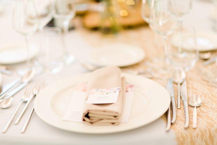 photographe professionnel de mariage.couvert mariage chic à Metz.