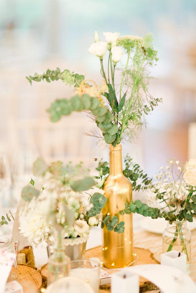 bouteille recyclé doré une idee de décoration mariage DIY