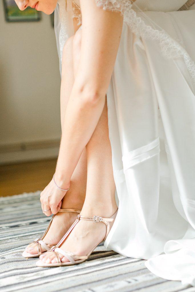 Chaussure de la mariée. Pohotgraphe mariage fine art france